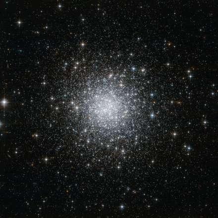 NGC_7006_(HST)
