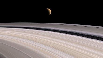 saturn-fly-ring-1